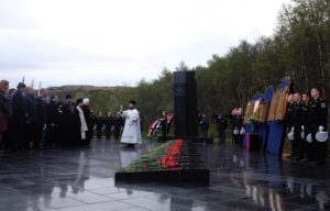 На Северном флоте молитвенно почтили память членов экипажа погибшей АПЛ «Курск»