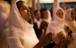 Православные христиане Эфиопии вышли на протесты из-за поджогов храмов и нападений
