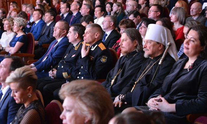 Архиереи Мурманской митрополии поздравили арктический университет с юбилеем