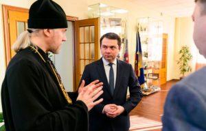 Представитель Мурманской митрополии принял участие в губернаторской встрече по проблеме коронавируса