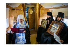 Над столицей Татарстана состоялся воздушный крестный ход с Казанской иконой Божией Матери