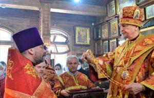 Клирик Введенского храма удостоен богослужебной награды