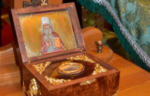 Двум храмам Мурманской епархии переданы святыни