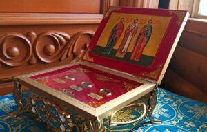 Во Владимирский храм поселка Мурмаши внесена святыня
