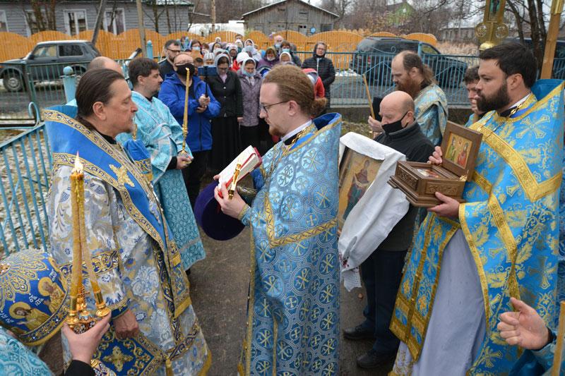 Приход единственного в Мурманской епархии храма Покрова Пресвятой Богородицы отметил престольный праздник