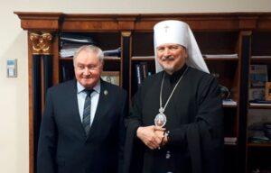 Почётным знаком «25 лет Мурманской епархии» награжден адмирал Владимир Королёв