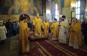 В Свято-Вознесенский кафедральный собор г. Мончегорска внесены святые мощи