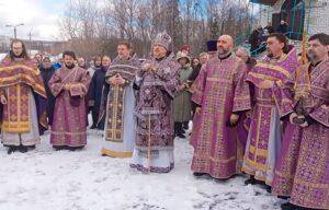 В Ковдоре освящен памятник Царю-мученику Николаю II