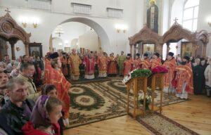 Митрополит Митрофан принял участие в торжествах по случаю 20-летия обретения мощей святых Пузовских мучениц