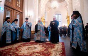 Перед началом Международного спортивного форума «Россия — спортивная держава» Глава Мурманской митрополии молился в Казани